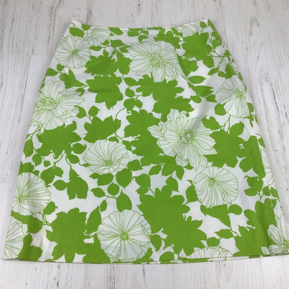 J. McLaughlin Dresses & Skirts - J McLaughlin Green White Floral Pencil Skirt